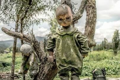 MEDO! Conheça a terrível e macabra 'Ilha das bonecas'