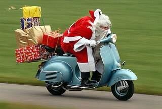 198_2255-Santa claus moto