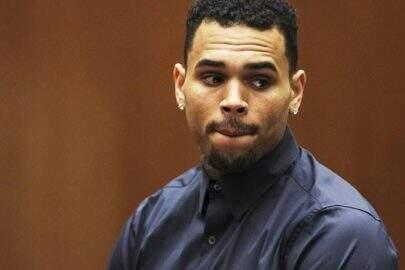 Após confusão em sua casa, Chris Brown é preso