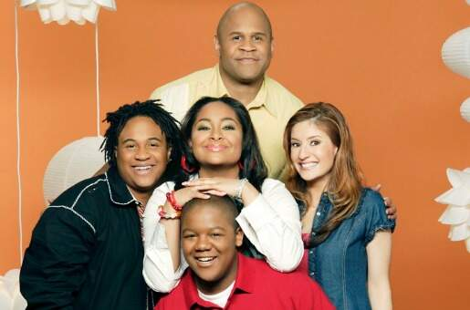 "THAT'S SO RAVEN - ""That's So Raven"" stars Rondell Sheridan as ""Victor Baxter,"" Orlando Brown as ""Eddie Thomas,"" Raven-Symone as ""Raven Baxter,"" Anneliese van der Pol as ""Chelsea Daniels"" and Kyle Massey as ""Cory Baxter."" (DISNEY CHANNEL/BOB D'AMICO)"