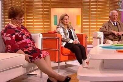 Mulher cochila em programa ao vivo e apresentador tem ideia genial