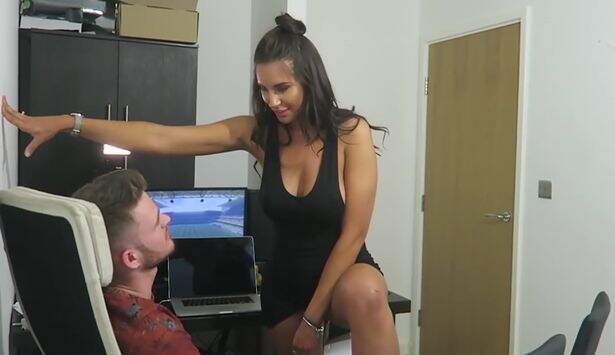 YouTube-star-has-sex-with-best-pals-sister-in-brutal-prank (1)