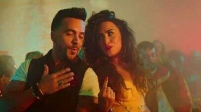 """Demi Lovato revelou prévia de clipe em parceria com Luis Fonsi: """"Echame La Culpa"""""""