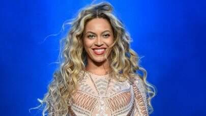 Novas fotos de Beyoncé gravando clipe na Jamaica mostram outro look da produção