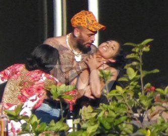 """Chris Brown fala sobre fotos """"enforcando"""" amiga: """"Não houve agressão"""""""