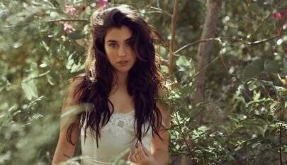 Lauren Jauregui, do Fifth Harmony, faz ensaio sexy e enlouquece fãs
