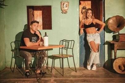 """Wesley Safadão e Anitta confirmam parceria para novo single, """"Romance com Safadeza"""""""