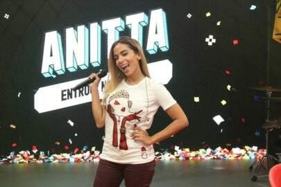 """Em sua reestreia na TV, Anitta canta música inédita e faz primeira apresentação de """"Indecente"""""""
