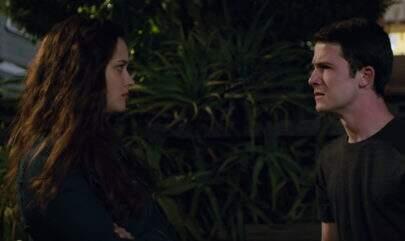 """Trailer completo da segunda temporada de """"13 Reasons Why"""" está cheio de mistérios"""