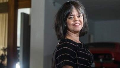 Após sucesso em novela, Juliana Caldas renova visual e bomba na web