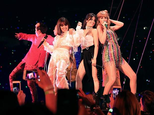 Katy Perry manda presente e carta para Taylor Swift