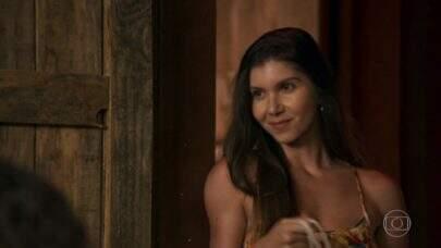 """Irritada com personagem ignorada em """"O Outro Lado do Paraíso"""", atriz se pronuncia"""