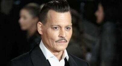 Johnny Depp causa confusão em set e quase ataca membro da equipe