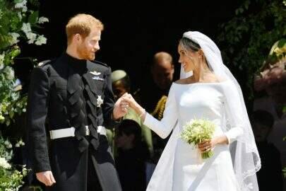 Era destino? Foto antiga de Meghan Markle mostra a atriz em frente à casa da família real
