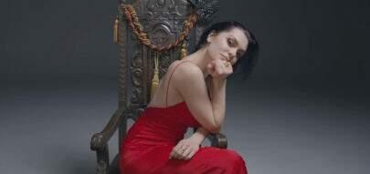 """Jessie J exalta todas as belezas no seu novo clipe da música """"Queen"""""""