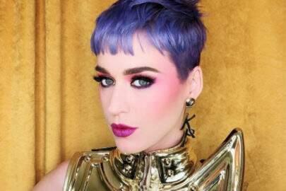 Novo cabelo roxo da Katy Perry gerou memes incríveis! Vem conferir