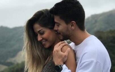 Antes de nascer, filha de Mayra Cardi e Arthur Aguiar já tem 30 mil seguidores no Instagram