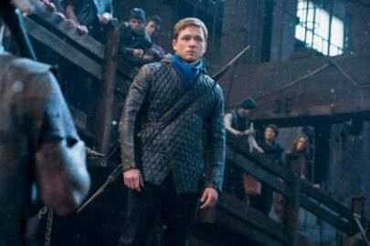 Primeiro trailer do novo filme do Robin Hood está eletrizante e mais sombrio