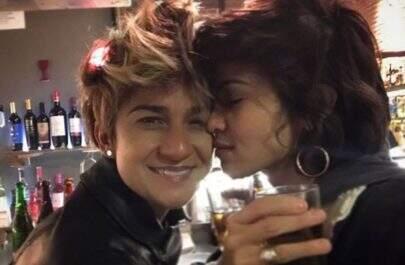 Nanda Costa assume namoro com a percussionista LanLan