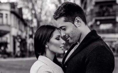 """Simaria posta foto sensual com o marido e brinca: """"Olha, damos um caldo!"""""""