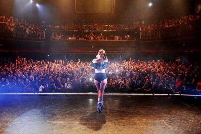 Cada vez mais internacional, Anitta vibra com show lotado na Argentina
