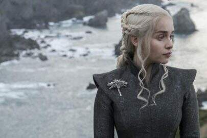 """Emilia Clarke anuncia o fim de suas gravações em """"Game of Thrones"""" e se emociona"""