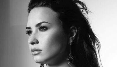 """Demi Lovato cancela mais um show por problema de saúde: """"Literalmente acabada"""""""