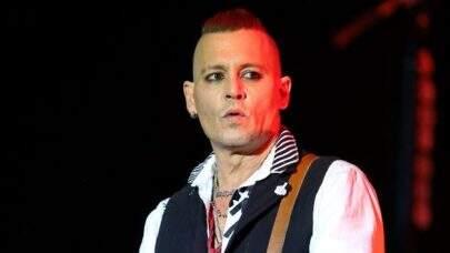 Suposto motivo para Johnny Depp estar careca e magro bomba na internet