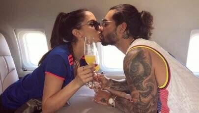 Maluma posa com namorada e semelhança com Anitta surpreende seguidores