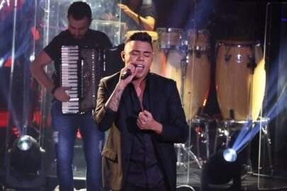 "Felipe Araújo comemora 70 milhões de views no clipe ""A Chave Cópia"""