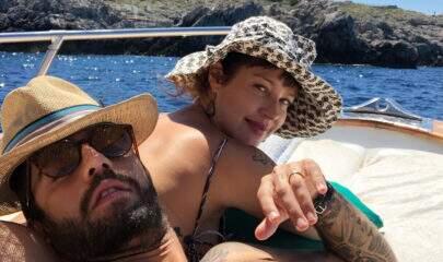 Luana Piovani publica foto na cama com Pedro Scooby
