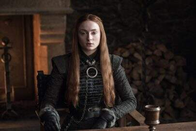 "Sophie Turner fala sobre final de 'Game of Thrones': ""Muito mais sangrento"""