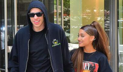 Família de Ariana Grande não estaria feliz com seu noivado, segundo site