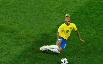 Presidente da Fifa dá risada ao falar de Neymar na Copa do Mundo