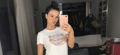 "Durante gravidez, Isis Valverde aposta em look confortável: ""Camiseta larga e moletom"""