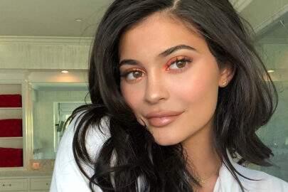 Kylie Jenner afirma que vai parar de fazer preenchimento labial e surpreende