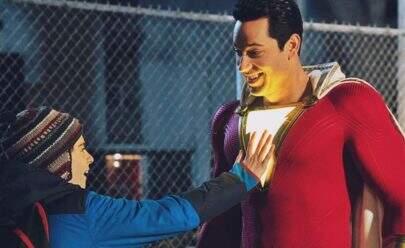 """""""Shazam!"""" testa seus poderes em primeiro trailer"""