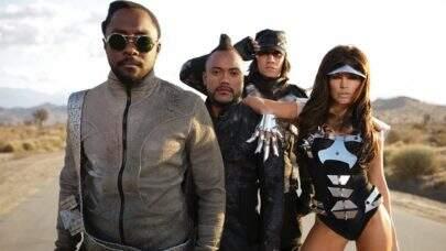 Fergie de volta ao Black Eyed Peas? Cantora posta foto com o grupo e fãs piram