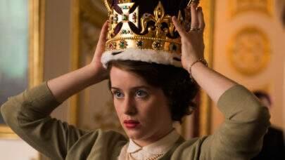 """Claire Foy afirma que não recebeu diferença pela desigualdade de seu salário em """"The Crown"""""""
