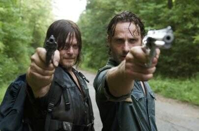 """Ator de Daryl em """"The Walking Dead"""" revela pacto de deixar a série junto com Andrew Lincoln"""