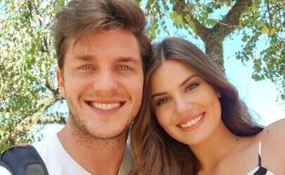 Camila Queiroz revela famosos que serão padrinhos de seu casamento com Klebber Toledo