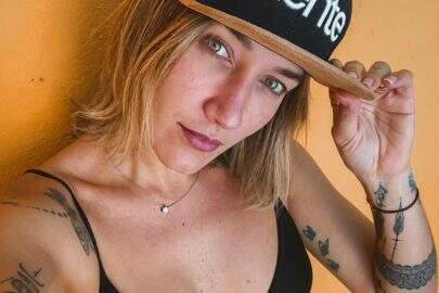 Gabriela Pugliesi posa de lingerie e exibe novo silicone