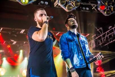 Com os maiores hits, Zé Neto & Cristiano levantam público no Villa Country