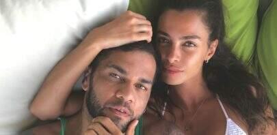 Mulher de Daniel Alves exibe corpão nas Maldivas e surpreende