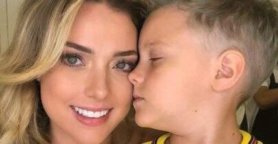 Ex-namorada de Neymar, Carol Dantas, mostra marcas roxas pelo corpo