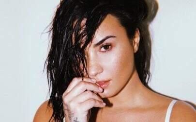 Demi Lovato recebe alta e segue para clinica de reabilitação