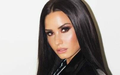 Após overdose, Demi Lovato comemora 26 anos e ganha homenagens na web