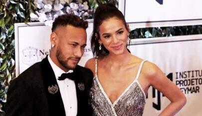 Neymar leva 'bronca' de Bruna Marquezine após expor momento íntimo