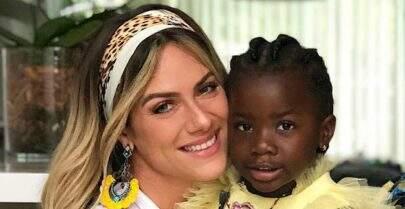 Giovanna Ewbank divide momento fofo com Titi e arranca suspiros