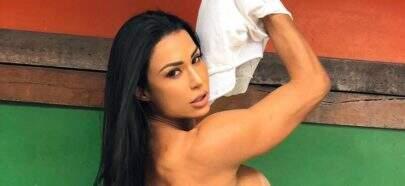 Gracyanne Barbosa exibe bumbum na nuca, mas fãs reparam em seus pés sujos